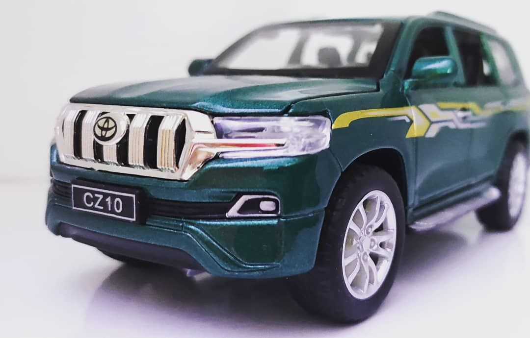 Toyota Land Cruiser Prado SUV Diecast
